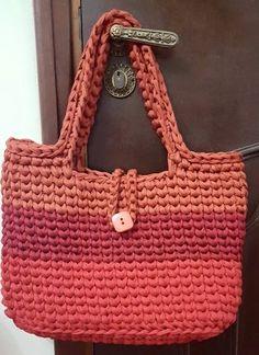 @damademalha Crochet Backpack Pattern, Bag Pattern Free, Crochet Handbags, Crochet Purses, Crochet Rope, Knit Crochet, Magic Bag, Crochet Market Bag, Diy Tote Bag