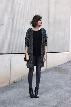 Grey long cardigan and skinny jeggings