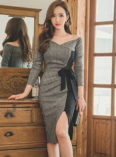 Shop Trendy Stitching V-neck Long Sleeve Split Dress at EZPOPSY. Elegant Dresses Classy, Classy Dress, Beautiful Dresses, Asian Fashion, Look Fashion, Girl Fashion, Cheap Dresses, Cute Dresses, Short Dresses