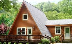 Maggie Valley chalet with playground, views