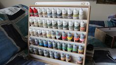 Agyar Studio: Estante para pinturas y repisa de pinturas(análisis)