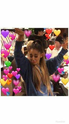 Ariana Grande Meme, Ariana Grande Photos, Funny Twitter Posts, Ariana Video, Heart Meme, Ariana Grande Wallpaper, Light Music, Cute Memes, Dangerous Woman