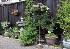 Planter5a Unique Garden Decor, Garden Yard Ideas, Unique Gardens, Garden Crafts, Garden Projects, Garden Pots, Garden Troughs, Garden Club, Garden Trellis