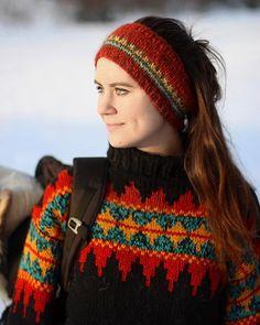 Ravelry: Norsk Skoggenser pattern by Linka Karoline Neumann Knitting Socks, Baby Knitting, Knitted Hats, Crochet Wrist Warmers, Loom Knit Hat, Nordic Sweater, Fingerless Mittens, Knit In The Round, Yarn Ball