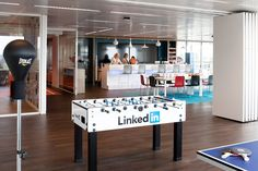 Afbeeldingsresultaat voor linkedin office