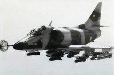 """Argentine Air Force A-4C Skyhawk refuels from a C130 en-route to attack British Forces on the Falkland islands May 1982. """"""""Con Dios en el alma y un Halcón en el Corazón"""""""""""