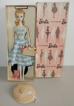 Barbie Box, Barbie Paper Dolls, Play Barbie, Barbie And Ken, Vintage Barbie Clothes, Vintage Dolls, Barbie Ponytail, Blonde Ponytail, Beautiful Barbie Dolls