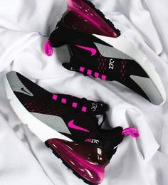 Clothes & Shoes Damen Nike Air Max 270 Schuhe 268 SH Women's Clothing - Today's Fashions Today's wom Moda Sneakers, Cute Sneakers, Shoes Sneakers, Nike Air Max For Women, Nike Women, Souliers Nike, Sneakers Fashion, Fashion Shoes, Fashion Outfits