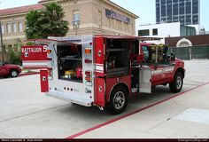 Master Body WorksCommercial CabCommandLos Angeles Fire DepartmentEmergency Apparatus Fire Truck Photo