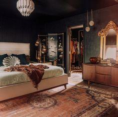 Dream Rooms, Dream Bedroom, Home Bedroom, Bedroom Decor, Bedrooms, Dark Interiors, Dream Apartment, Bedroom Inspo, My New Room