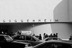 La niña planta. Fotografía el Guggenheim, Nueva York.