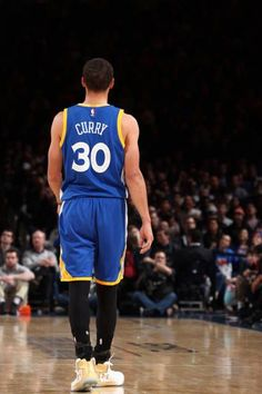 Stephen Curry of the Golden State Warriors is seen during the game against the New York Knicks on March 5 2017 at Madison Square Garden in New York. Nba Wallpapers Stephen Curry, Steph Curry Wallpapers, Stephen Curry Basketball, Nba Stephen Curry, Nba Warriors, Curry Warriors, Nba Players, Basketball Players, Stephen Curry Birthday