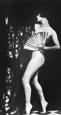 Louise Brooks - 1920's - Ziegfeld Follies - Photo by Alfred Cheney Johnston