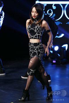 韓国・ソウル(Seoul)で、ソロデビューアルバム「First Romance」の発売記念イベントに臨む、ガールズグループ「KARA(カラ)」の元メンバーのニコル(Nicole、2014年11月19日撮影)。(c)STARNEWS ▼21Nov2014AFP|元KARAのニコル、ソロデビュー記念イベントに登場 http://www.afpbb.com/articles/-/3032335 #Nicole_Jung #니콜 #妮可 นิโคล ช็อง #جانغ_نيكول #Nicole_Yoonju_Jung #Jung_Yong_joo #정용주 #鄭龍珠 #郑龙珠 ช็อง ยง-จู #Ilchi_Art_Hall #일지아트홀