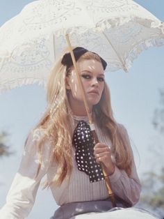 Inspiration! https://vieuxneufrecycle.wordpress.com/2016/02/27/icones-de-mode-brigitte-bardot/