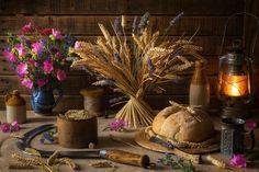 Lughnasadh / Lammas Harvest Celebration Altar Photo by Marcus Rodriguez Yellow Candles, Red Candles, Mabon, Samhain, Harvest Season, Harvest Time, Harvest Moon, Affinity Photo, Sabbats