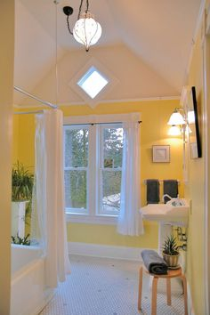 1898 Victorian bathroom design by Arciform's Anne De Wolf. Victorian Bathroom, Yellow Bathrooms, Beautiful Bathrooms, White Walls, Master Bathroom, Home Remodeling, Guest Room, Sweet Home, New Homes