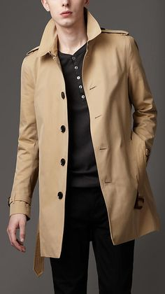 Burberry - single breasted raincoat in tan