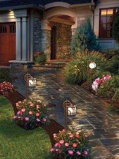 22 Landscape Lighting Ideas : Home_improvement : | http://beautifulflowerscollections.blogspot.com #LandscapingIdeas