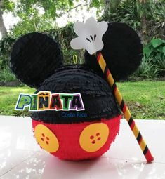 Ideas for festive Mickey Mouse decor!if you are throwing a Mickey Mouse birthday party, we have the ears for you.or Mickey Mouse decorations & party ideas! Also we have some free Mickey Mouse labels! Mickey Mouse Birthday Decorations, Theme Mickey, Fiesta Mickey Mouse, Mickey Mouse Parties, Mickey Mouse Pinata, Disney Mickey, Disney Parties, Mickey Cakes, Mickey 1st Birthdays