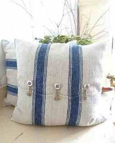 rough linen pillows - maybe use linen teatowels! Diy Pillows, Linen Pillows, Decorative Pillows, Cushions, Throw Pillows, White Pillows, Cushion Covers, Pillow Covers, Grain Sack