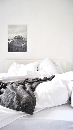 black.white.minimal.
