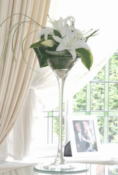 Martini Glass Bouquet | Clear Glass Martini Vase Martini Glass Centerpiece, Glass Centerpieces, Centrepieces, Tall Wedding Centerpieces, Wedding Table Centerpieces, Decorated Wine Glasses, Creation Deco, Festa Party, Art Deco Wedding