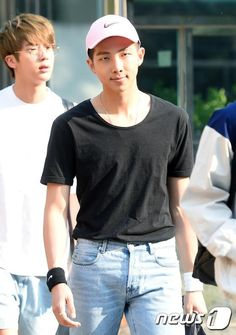 [Press Pic] 150529 BTS on their way to Music Bank