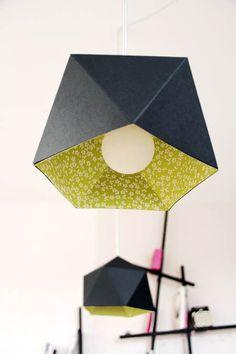20 Ideas for origami lamp diy deco Origami Lampshade, Paper Lampshade, Diy Origami, Lampshades, Ernest Est Celeste, Lamp Shade Crafts, Diy Luminaire, Papier Diy, Paper Lanterns