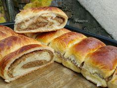 Orechový závin (fotorecept) - obrázok 6 Hot Dog Buns, Hot Dogs, Strudel, Sweet Desserts, Food And Drink, Bread, Baking, Cake, Recipes