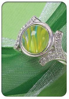 Clarksville Fine Jewelry will be hosting a Kameleon Trunk Show April 21, 2012 from 11-2 pm. Buy 3 pops and get a yellow coded pop free!!