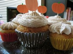 apple spice cupcakes with apple cream frosting
