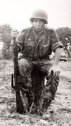 Portuguese Paratrooper - African Colonial War 1961-1974