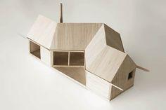håkon + haffner | cabin bogøyvær | maquette | Außenraum durch Faltung der einfachen Form