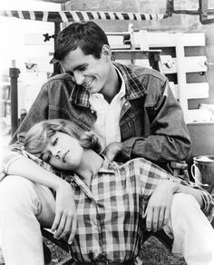 """27 Fun and Romantic Photos of Jane Fonda and Anthony Perkins on the Set of Their 1960 Film """"Tall Story"""" ~ vintage everyday Anthony Perkins, Joanne Woodward, Serge Gainsbourg, Kennedy Jr, Ali Macgraw, Movie Couples, Famous Couples, Jane Fonda, Hollywood Couples"""