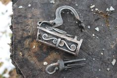 Forged Norwegian padlocks in Forge & Foundry Archive 1 Forum Under Lock And Key, Key Lock, Antique Keys, Vintage Keys, Hide A Key, Blacksmith Projects, Old Keys, Knobs And Knockers, Forging Metal
