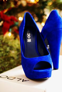 tipping my veil to elvis on my wedding day with blue suede pumps :)