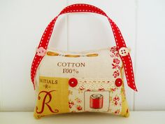 Vintage Inspired Pincushion by picocrafts on Etsy, $8.00