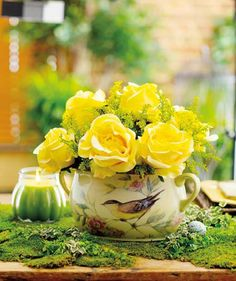 Celebrating Home Somerset Song beanpot, featuring Susan Winget art.  Yellow Rose Bush