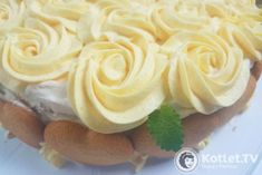 Delicate cream to frost cakes. Stablised and coloured/flavoured with jelly crystals Frosting, Icing, Jelly Crystals, Polish Recipes, Polish Food, Sweet Recipes, Mousse, Cake Decorating, Decorating Ideas
