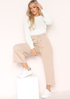 Our Hailey Beige Ribbed Glitter Culottes features ribbed style, drawstring feature, glitter detailing and culotte style. Style with a t-shirt and trainers to finish off the look. Beige Outfit, Neutral Outfit, Cullotes, Culottes Outfit, Nude Color, Colourful Outfits, Fall Wardrobe, Delivery, Glitter