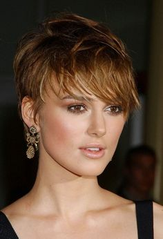Keira Knightley cut her hair short for film Domino, after that she has rocked pixie cut. In our gallery you will find 15 New Keira Knightley Pixie Cuts that. Cool Short Hairstyles, Chic Hairstyles, Pixie Hairstyles, Short Hair Styles, Pixie Haircuts, Layered Hairstyles, Hairstyle Ideas, Cropped Hairstyles, Makeup Hairstyle