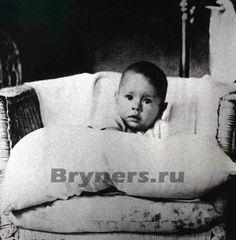 Yul Brynner as a baby, 1920, Vladivostok, Russian Far East.