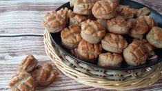 Tepertős pogácsa teljes kiőrlésű lisztből Sandwiches, Oven, Muffin, Healthy Recipes, Healthy Food, Bread, Baking, Breakfast, Recipes