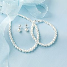 Mother of the Bride and Groom Gifts - 3 Piece Pearl Jewelry Set   #exclusivelyweddings