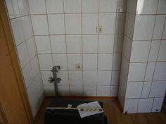 Tile Floor, Bathtub, Flooring, Texture, Crafts, New Homes, Standing Bath, Surface Finish, Bathtubs