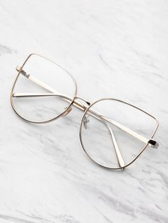 Online shopping for Flat Lens Cat Eye Glasses from a great selection of women's fashion clothing & more at MakeMeChic. Glasses Frames Trendy, Cool Glasses, Glasses Sun, Fashion Eye Glasses, Cat Eye Glasses, Eye Glasses Online, Specs Frame, Glasses Trends, Lunette Style