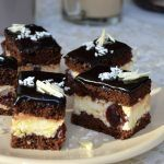 Cake with mascarpone cream and coffee - Cooking Cake Deliciouse Romanian Desserts, Romanian Food, Tasty Dishes, Food Dishes, Cake Recipes, Dessert Recipes, Sweet Cakes, Ice Cream Recipes, Cheesecakes