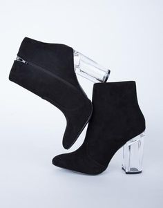 #2020AVEXHOLIDAY im in love with these heels. like omgg!! i need them