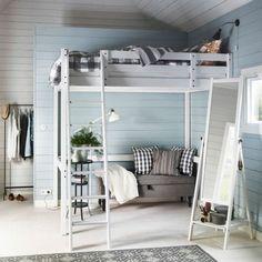 Priestranná vysoká postel pre dvoch
